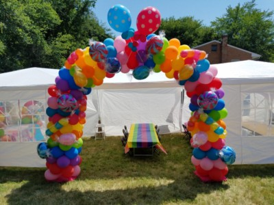 Candy Balloon arch with lollipops and wrapped candys
