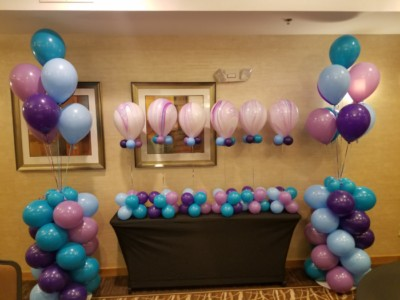 simple balloon columns and centerpieces